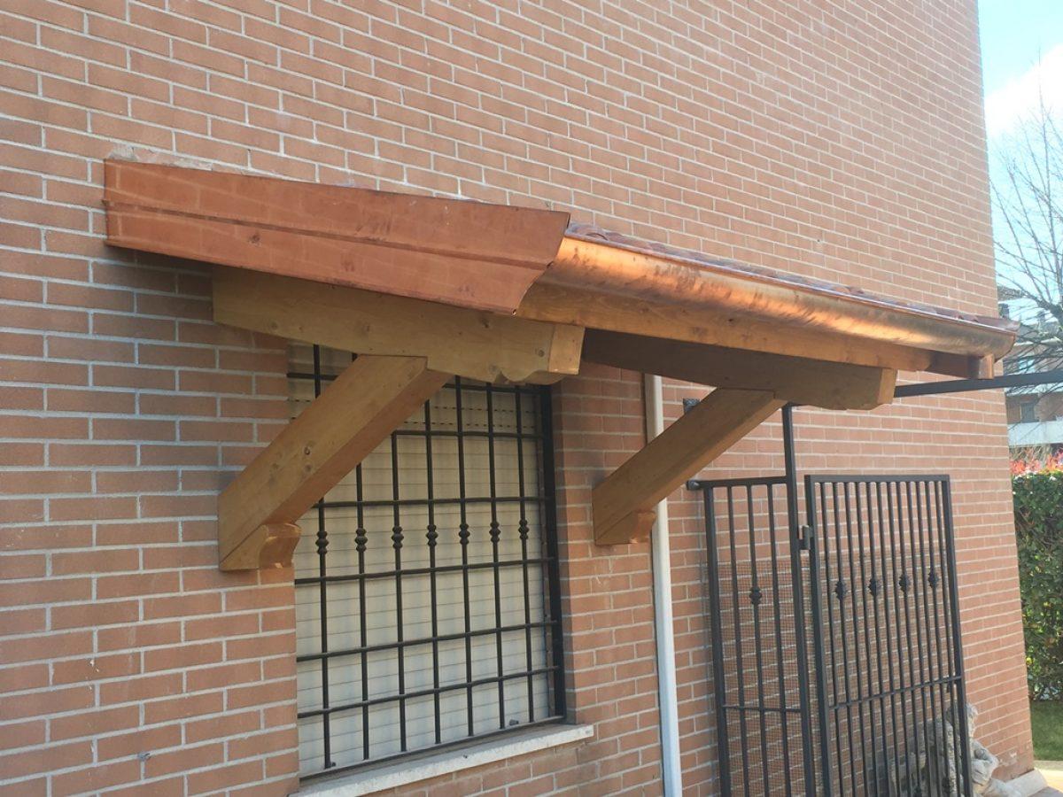 Pensilina-sopra-porta-delux-in-legno