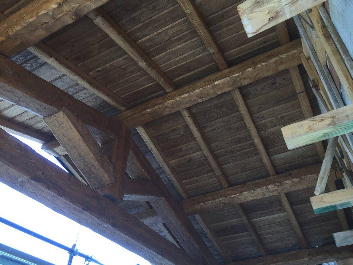 Tetto-in-legno-con-doghettato2